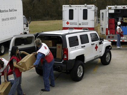 2006 Hummer H3 American Red Cross 11