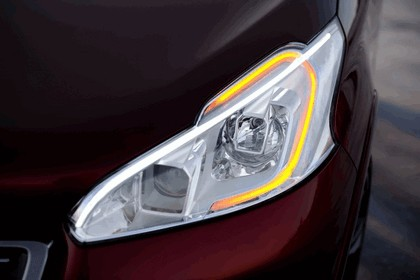 2012 Peugeot 208 GTi concept 12