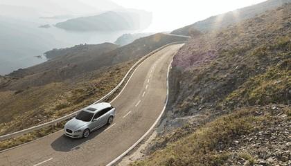 2012 Jaguar XF Sportbrake 14