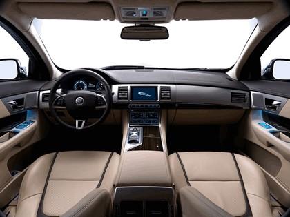 2012 Jaguar XF Sportbrake 16