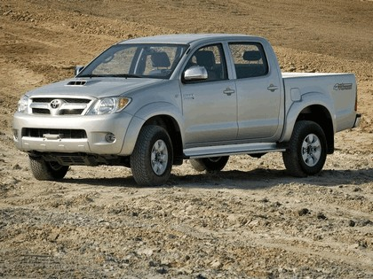 2005 Toyota Hilux Double Cab Armored by BAE 1