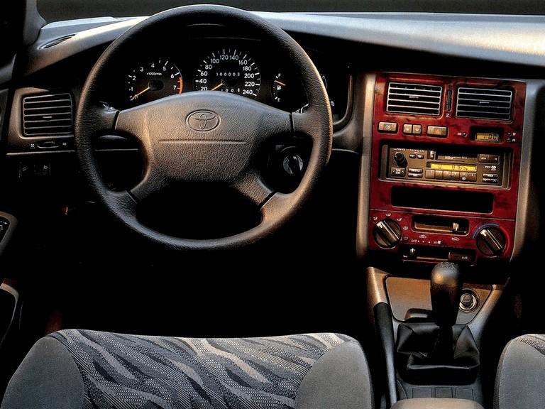 1996 Toyota Carina E 338540