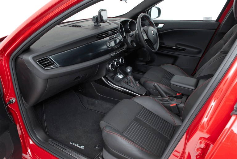 2012 Alfa Romeo Giulietta - UK version 340835
