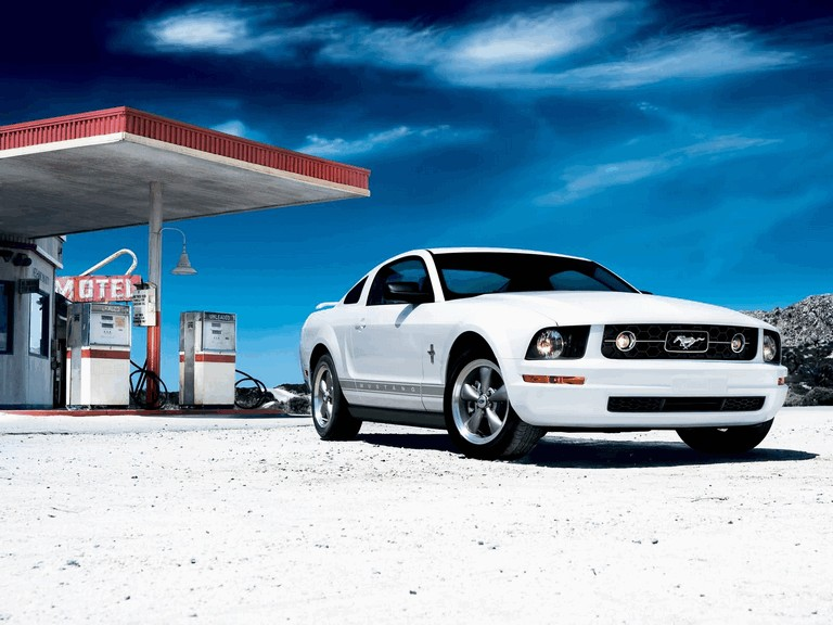 2006 Ford Mustang V6 pony package 212810