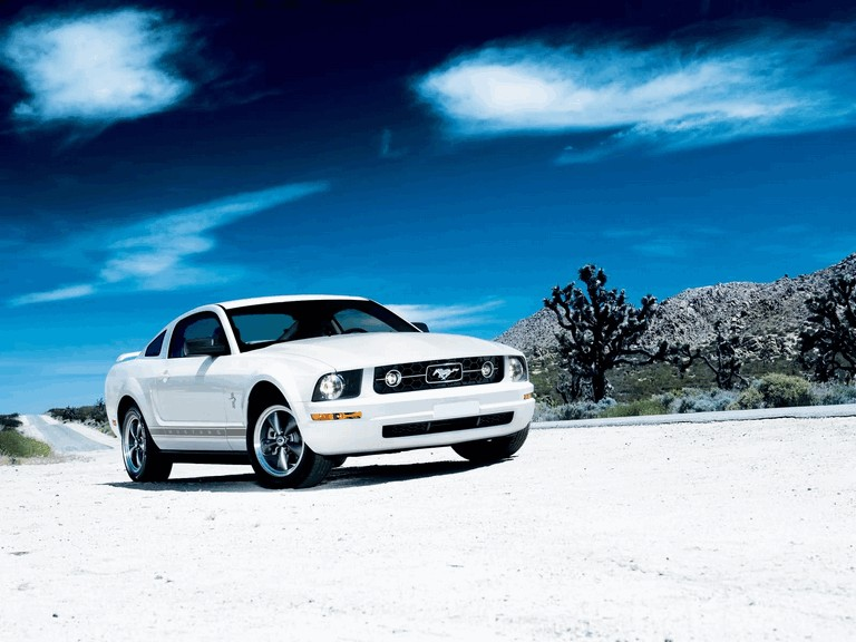 2006 Ford Mustang V6 pony package 212811