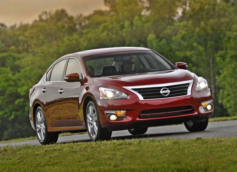 2013 Nissan Altima sedan 530465