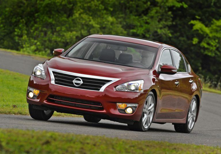 2013 Nissan Altima sedan 530467