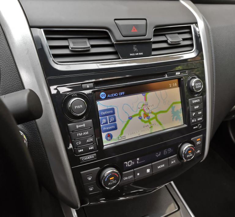 2013 Nissan Altima sedan 530485