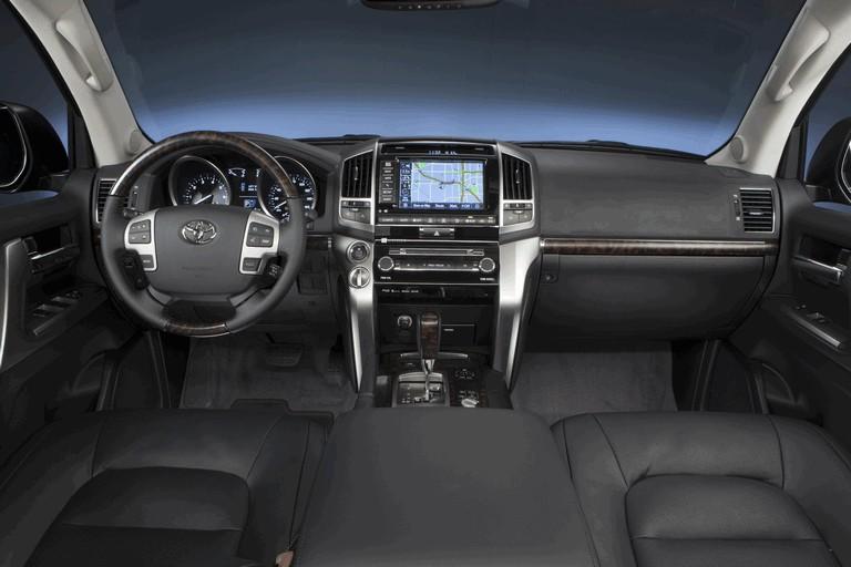 2013 Toyota Land Cruiser 341879