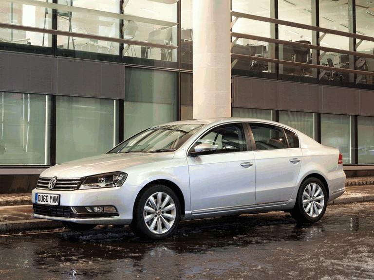 2010 Volkswagen Passat - UK version 344673