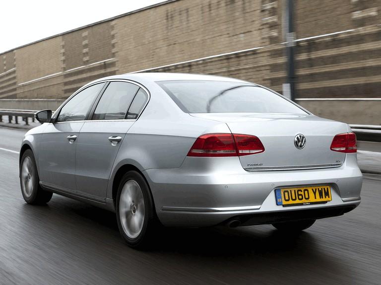 2010 Volkswagen Passat - UK version 344676