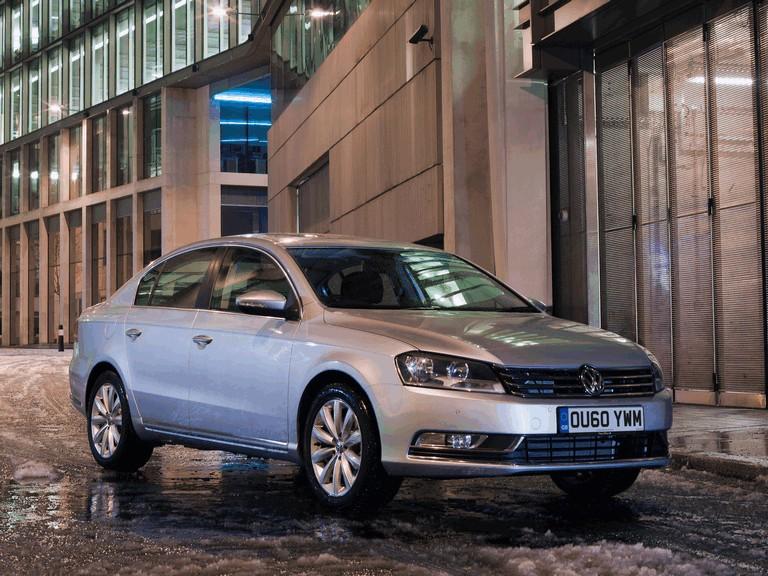 2010 Volkswagen Passat - UK version 344679