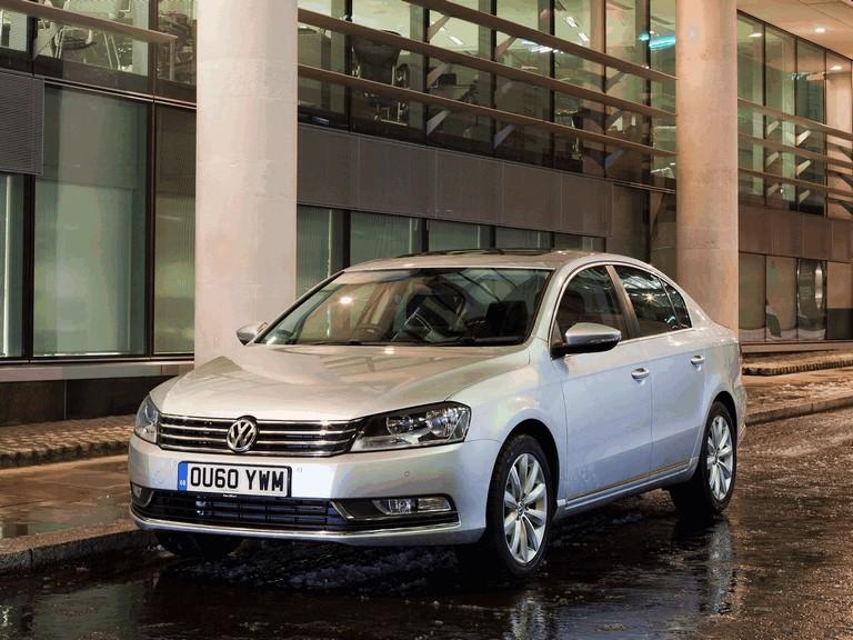 2010 Volkswagen Passat - UK version 344680