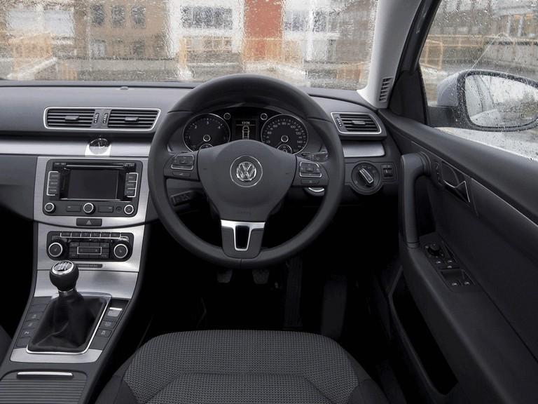2010 Volkswagen Passat - UK version 344682