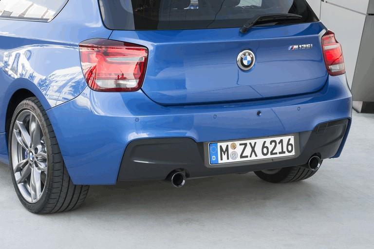 2012 BMW M135i ( F20 ) 3-door 352023