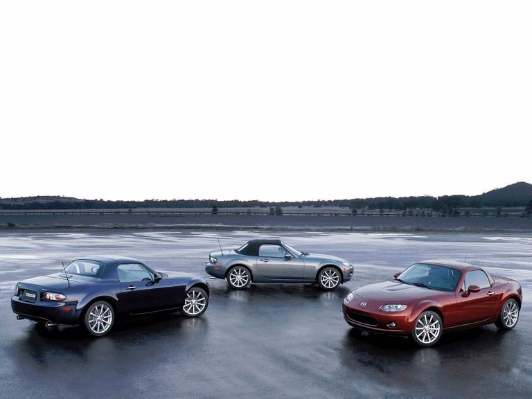 2006 Mazda MX-5 Miata power retractable hard top 213633