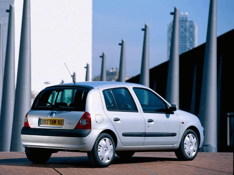 2001 Renault Clio 5-door 351242