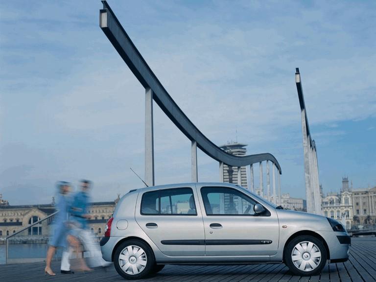 2001 Renault Clio 5-door 351243