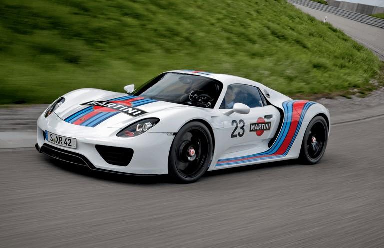 2012 Porsche 918 Spyder prototype in Martini Racing design 353905