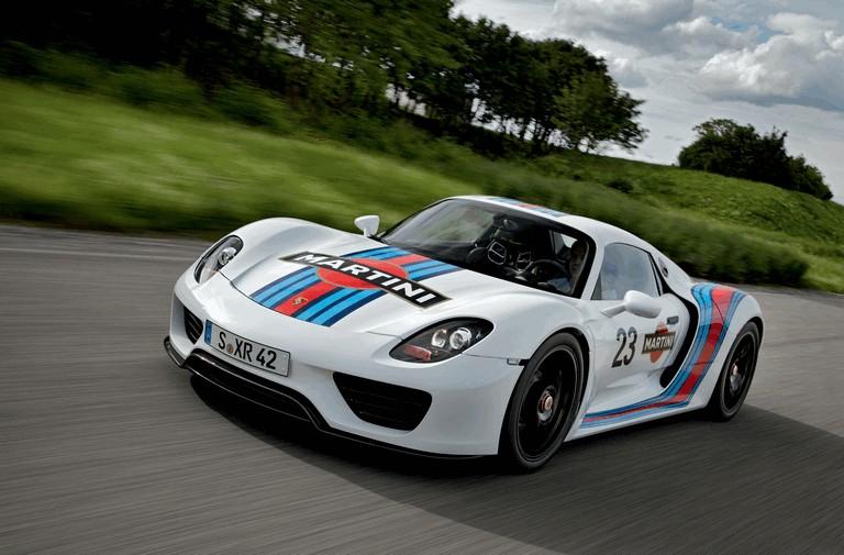 2012 Porsche 918 Spyder prototype in Martini Racing design 353906