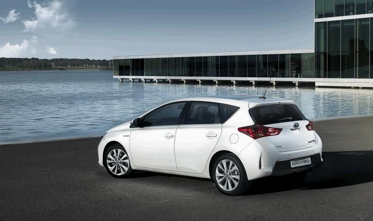 2012 Toyota Auris Hybrid 359285