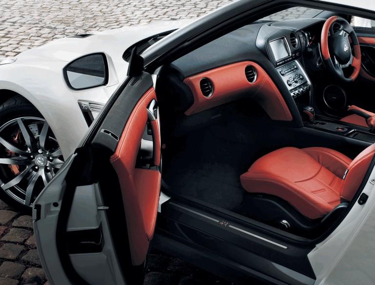 2013 Nissan GT-R ( R35 ) - UK version 364513