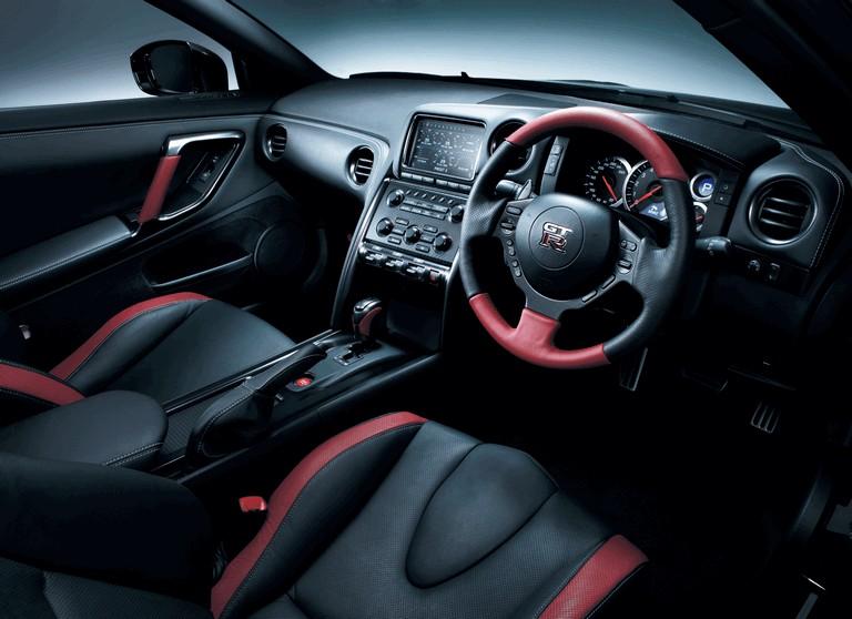 2013 Nissan GT-R ( R35 ) - UK version 364516
