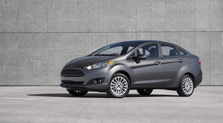 2014 Ford Fiesta 4-door - USA version 366719