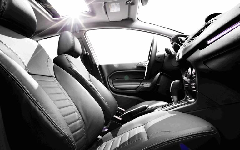 2014 Ford Fiesta 4-door - USA version 366722