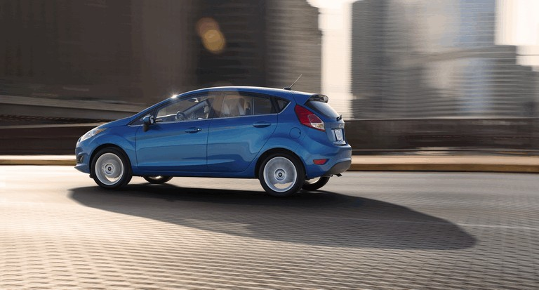 2014 Ford Fiesta 5-door - USA version 366744