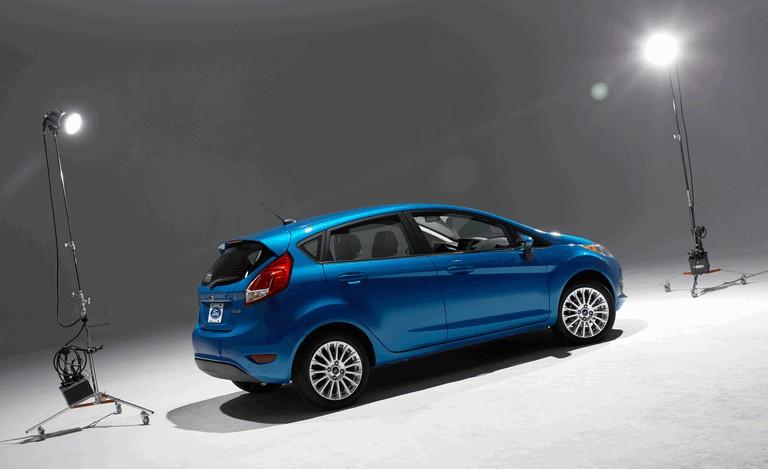 2014 Ford Fiesta 5-door - USA version 366796