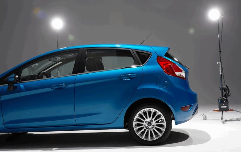 2014 Ford Fiesta 5-door - USA version 366810