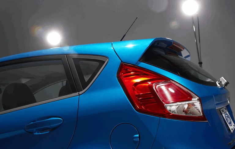 2014 Ford Fiesta 5-door - USA version 366811