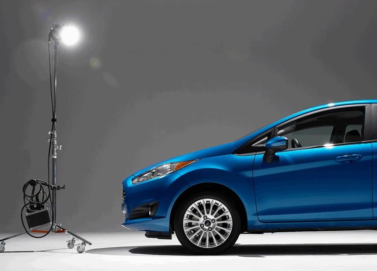 2014 Ford Fiesta 5-door - USA version 366813
