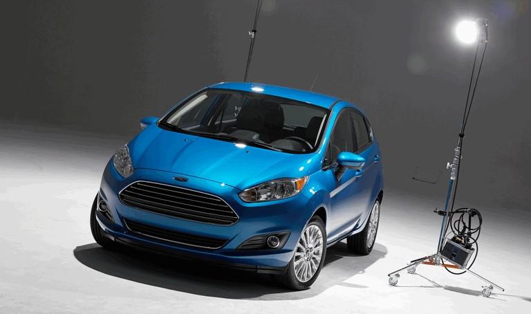 2014 Ford Fiesta 5-door - USA version 366817