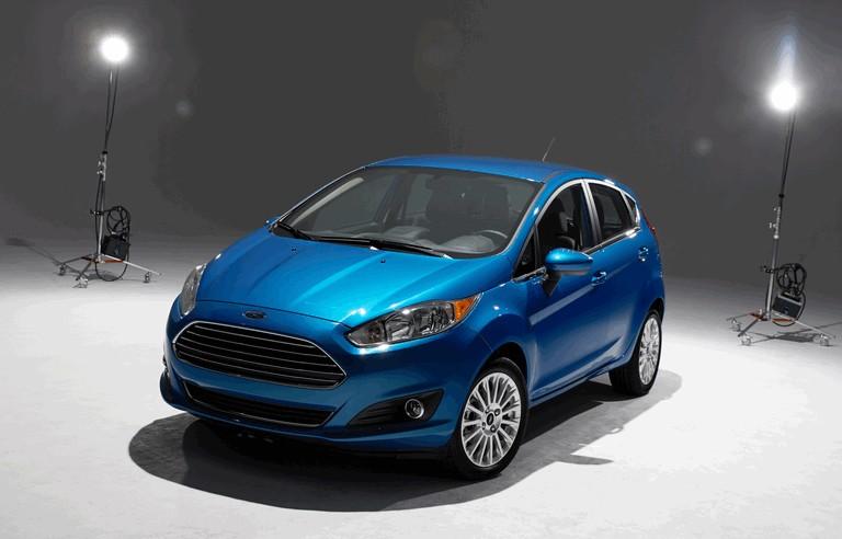 2014 Ford Fiesta 5-door - USA version 366821