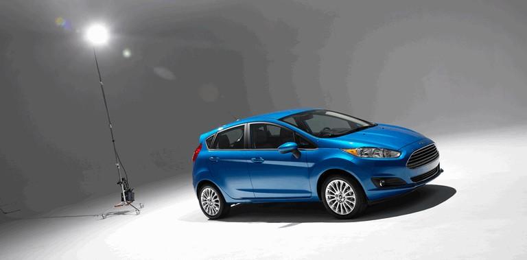 2014 Ford Fiesta 5-door - USA version 366829