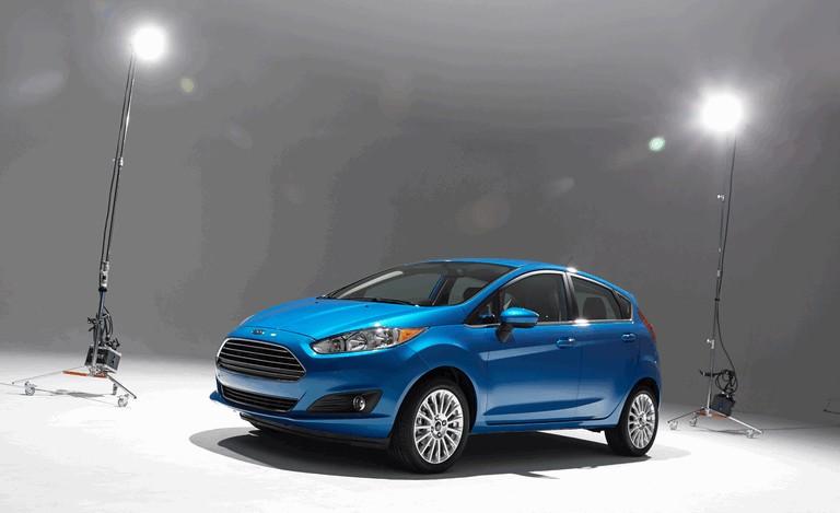 2014 Ford Fiesta 5-door - USA version 366838