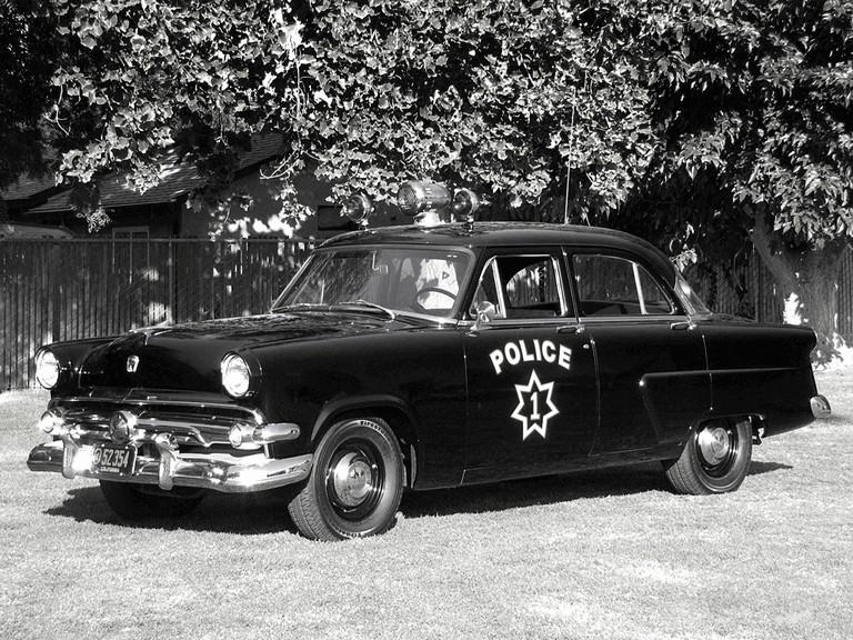 1954 Ford Mainline 4-door sedan ( 73A ) - Police car 367700