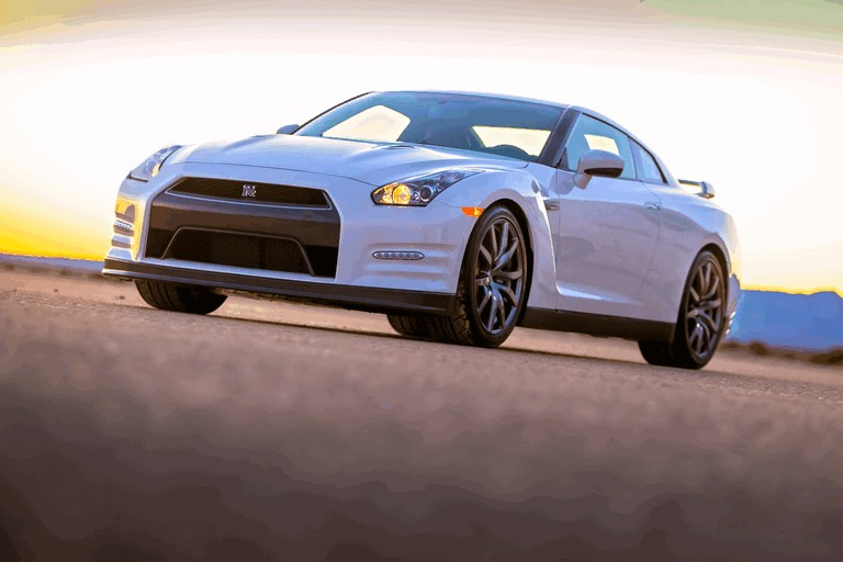 2013 Nissan GT-R ( R35 ) - USA version 370925