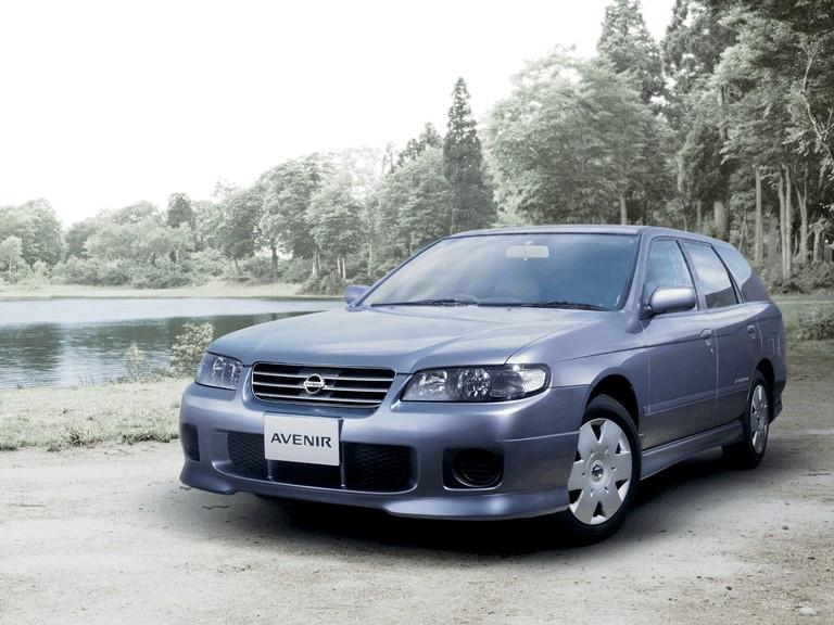 1999 Nissan Avenir 373343