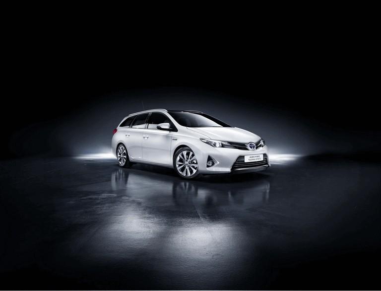 2013 Toyota Auris Touring Sports 374951
