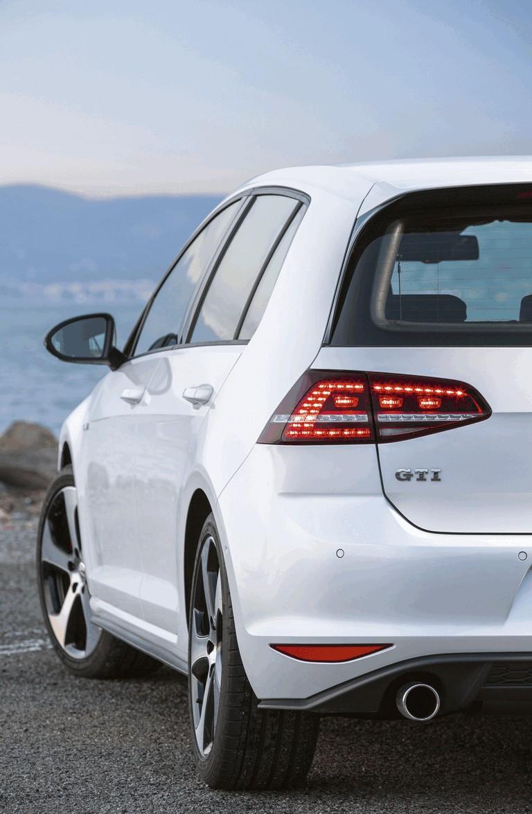 2013 Volkswagen Golf ( VII ) GTI 384026