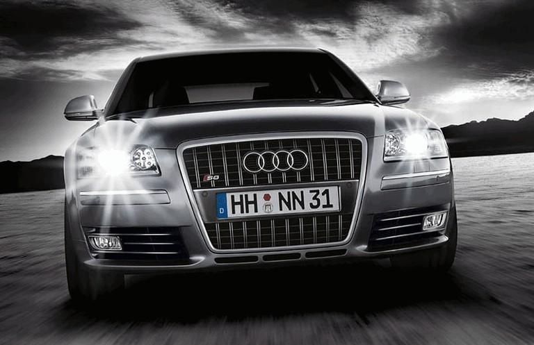 2007 Audi S8 217424