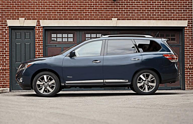 2014 Nissan Pathfinder Hybrid 379748