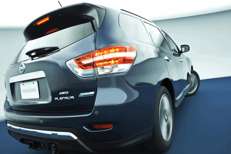 2014 Nissan Pathfinder Hybrid 379757