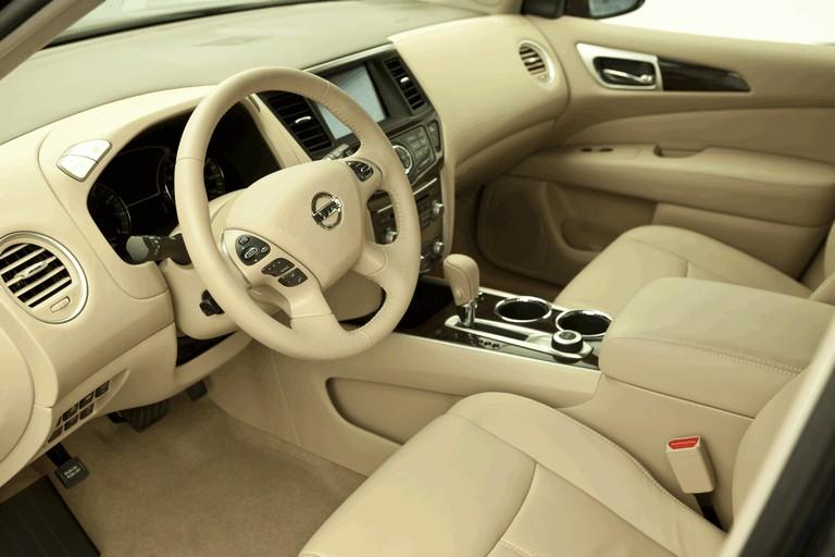 2014 Nissan Pathfinder Hybrid 379763