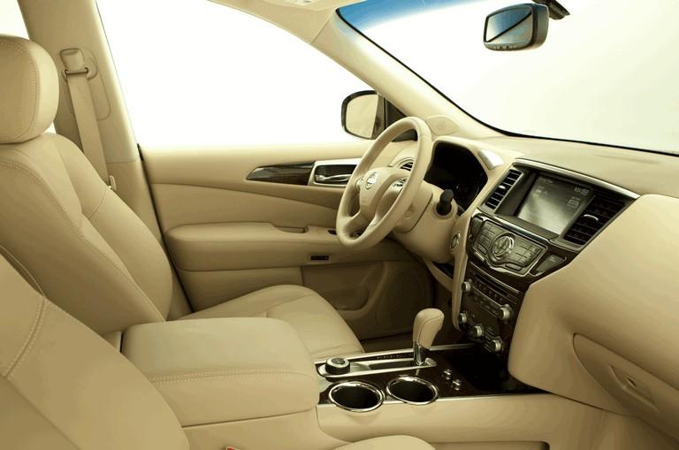 2014 Nissan Pathfinder Hybrid 379764