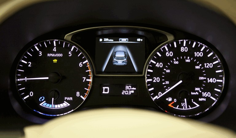 2014 Nissan Pathfinder Hybrid 379768