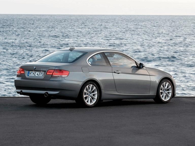 2007 BMW 335i coupé 217875